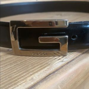 Gucci Black Leather & Silver G logo Buckle Belt 70